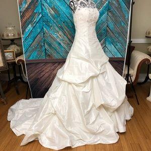 NWT Kristie Kelly Signature wedding dress